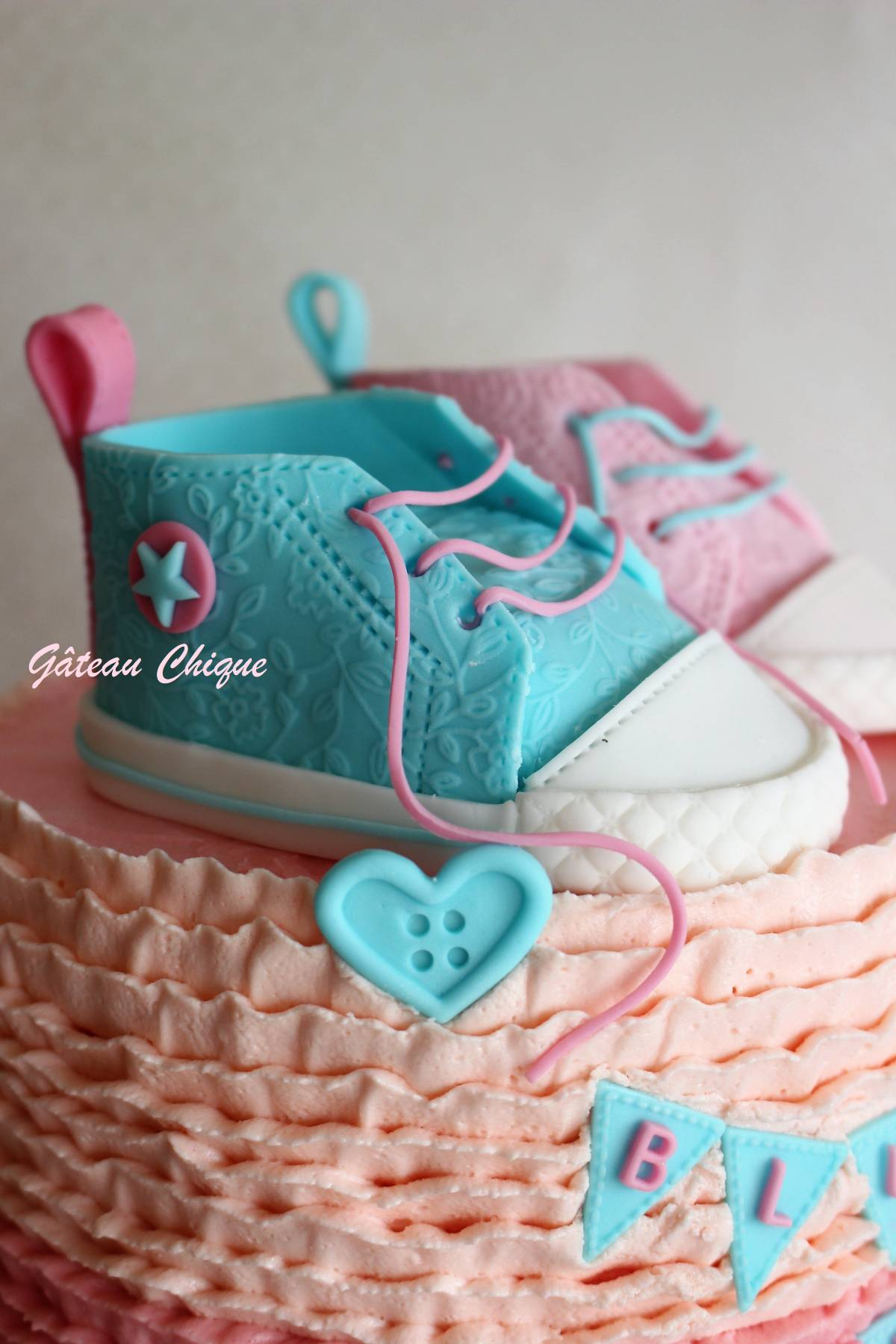 shoes cake topper